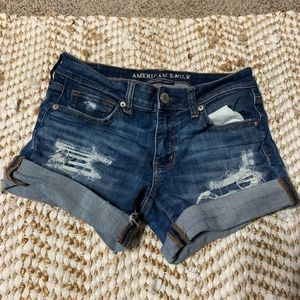 American eagle size 6 cuffed distressed shorts